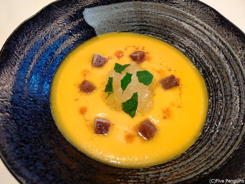 最初に出た甘い人参のスープ
