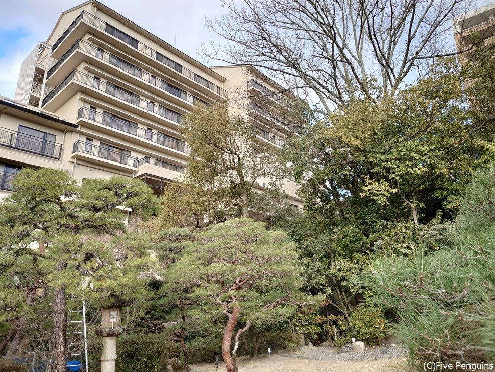 部屋数の多い大きな老舗旅館