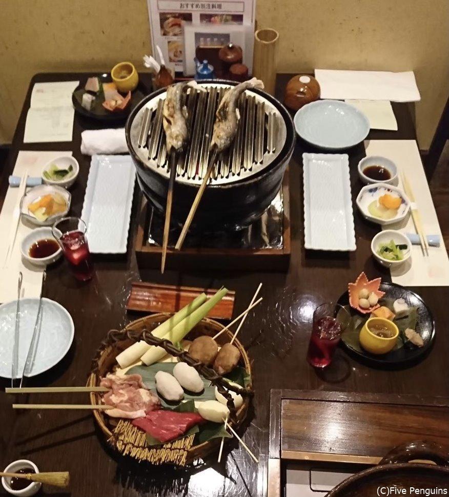みんなでテーブルを囲んで食べたい、いろり献残焼き