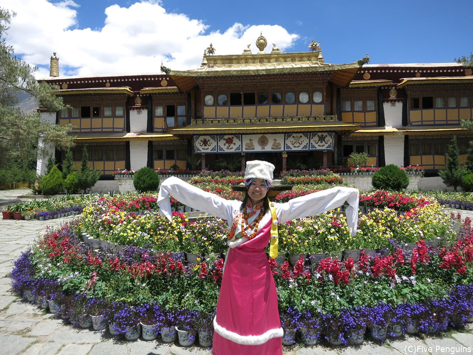 チベットの民族衣装がかわいい