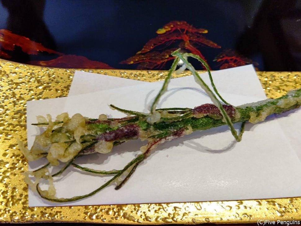 牛尾菜(しおで)の天ぷら  嬉しいサービス!