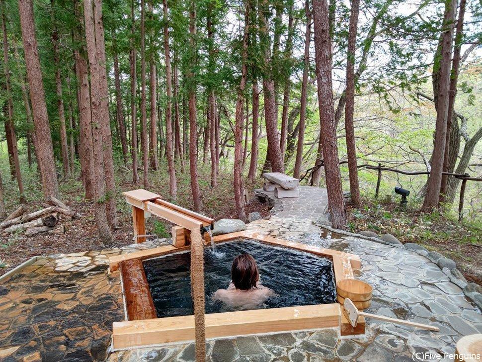 一番遠くにある貸切露天風呂「通り雨」