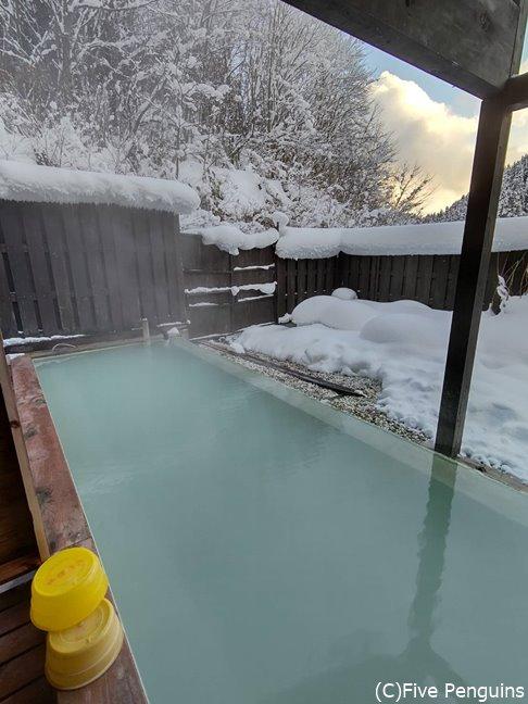 ポツンと一軒宿・秘湯の露天風呂