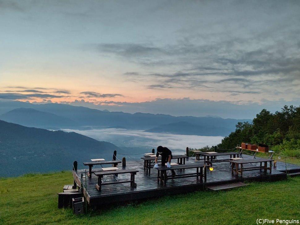 朝陽を楽しむ展望台