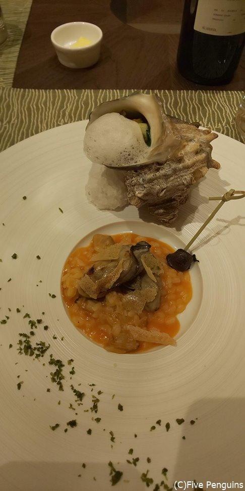 新鮮な魚介類も美しいフレンチの一皿に