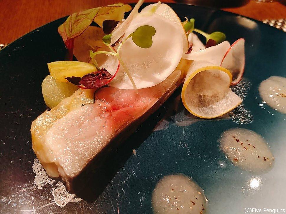 しめ鯖と秋茄子のテリーヌ 和梨と蕪のサラダ