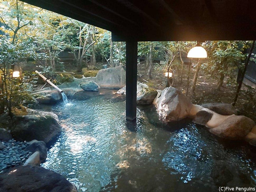 木々に囲まれた静かな環境で入る露天風呂は最高!