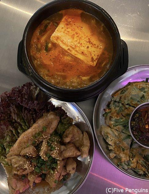 タンバムで食べたにらチヂミとデジカルビはとっても好みの味、スンドゥブは少し期待外れ